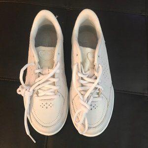 easy spirit Shoes - Easy spirit walking shoes size 5